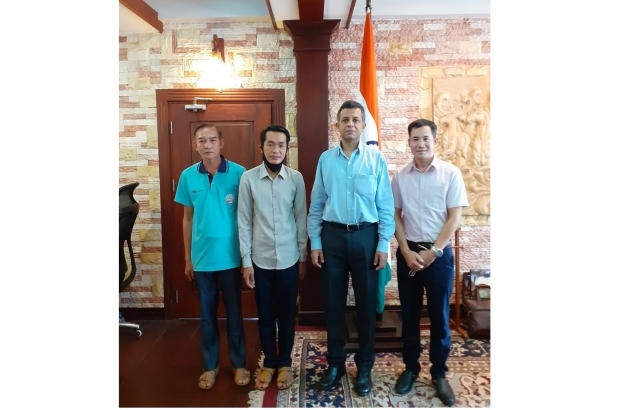 Ambassador Dinkar Asthana welcomes back three ITEC trainees, viz. Mr Phoukhan Keokanya, Mr Amnath Phady and Mr Bountham Phankham, on their return to Lao PDR after completing a three-month English course at English and Foreign Languages University, Hyderabad. They work at Vat Phou, an ancient fifth century Shiva temple, which Archaeological Survey of India (ASI) is restoring